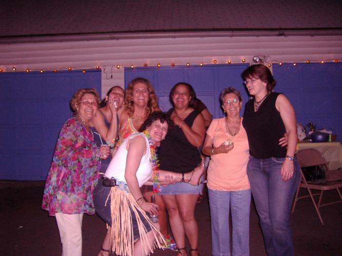 Tia Maggie,Evelyn,Trish,Lisa,Mami, Gayle and Demi 7-8-06